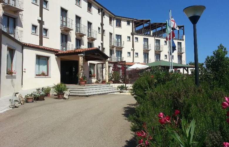 San Trano - Hotel - 9