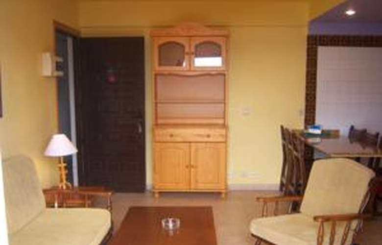 Apartamentos Altair / Eurovosa - Room - 4