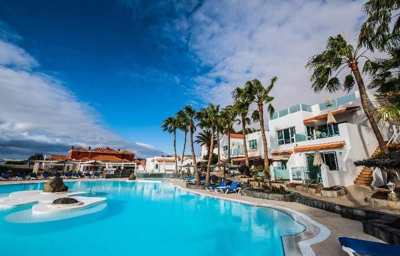 Bahia Calma Beach - Pool - 30