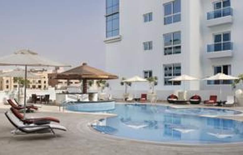 Hyatt Place Dubai Al Rigga - Pool - 17