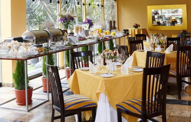 Plaza Del Bosque - Restaurant - 16
