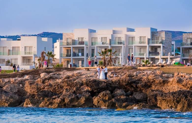 Amphora Hotel & Suites - Hotel - 0