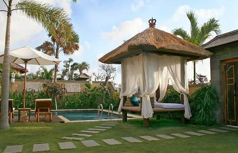 The Beverly Hills Bali - Pool - 4