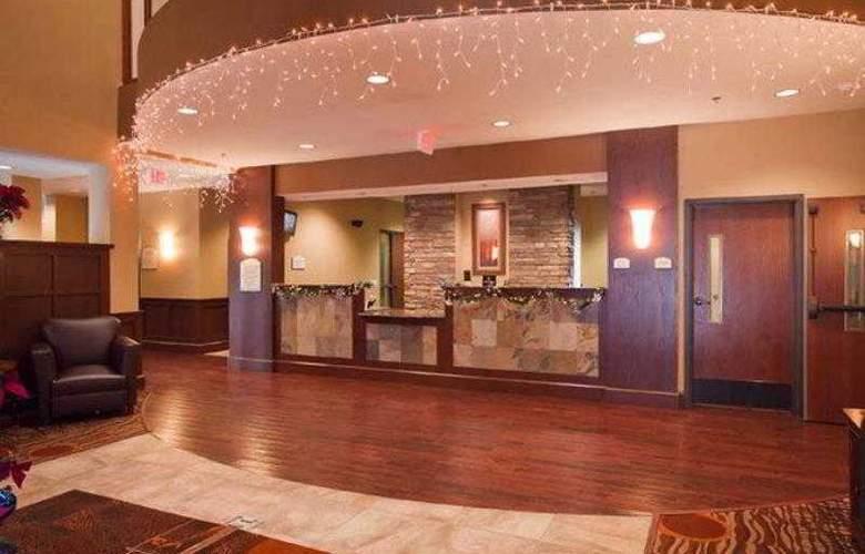 Best Western Plus Grand Island Inn & Suites - Hotel - 4