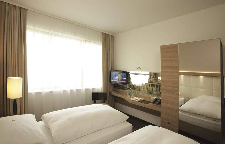 H4 Berlin Alexanderplatz - Room - 2