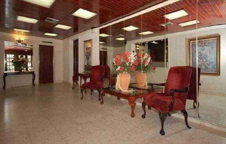 Comfort Inn San Juan - General - 1