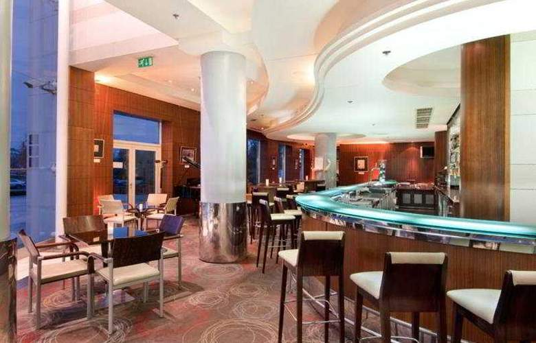 Hilton Sofia - Bar - 6