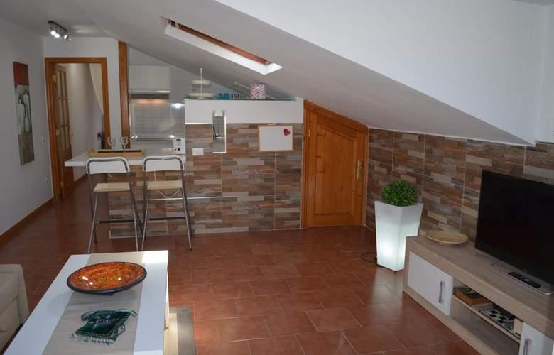 Apartamentos Lacy - Room - 1