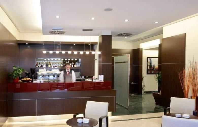 Gran Hotel Attica21 Las Rozas - Bar - 11