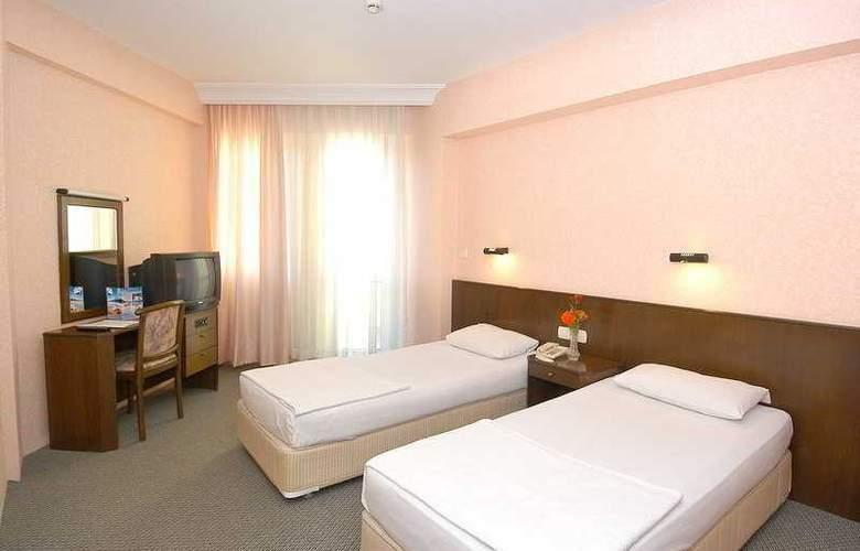 Remi Hotel - Room - 3