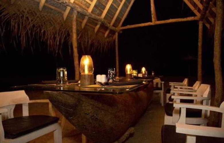 Maalu Maalu Resort and Spa - Restaurant - 11