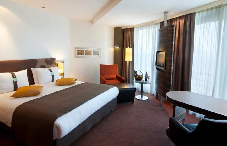 Holiday Inn Almaty - Room - 5