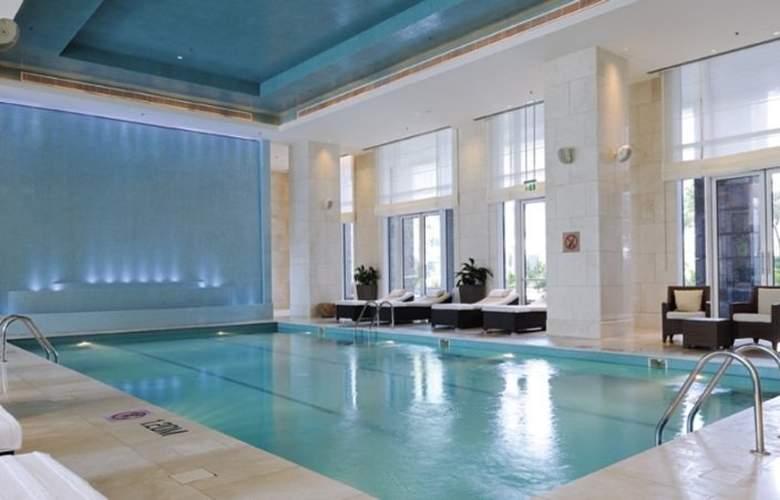 Ritz-Carlton, Dubai International Financial Centre - Pool - 7