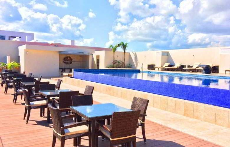 Four Points by Sheraton Cancun Centro - Terrace - 12