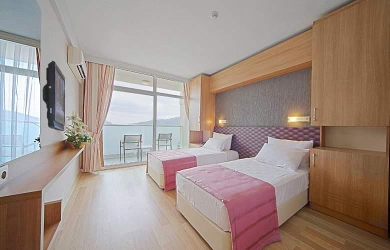 Sol Beach Hotel - Room - 2