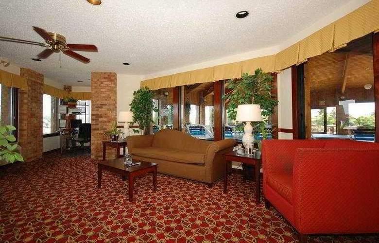 Best Western Plus Lakewood Inn - General - 1