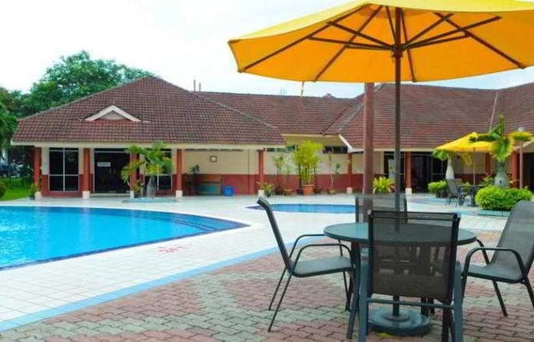 Hotel Selesa Pasir Gudang - Pool - 15