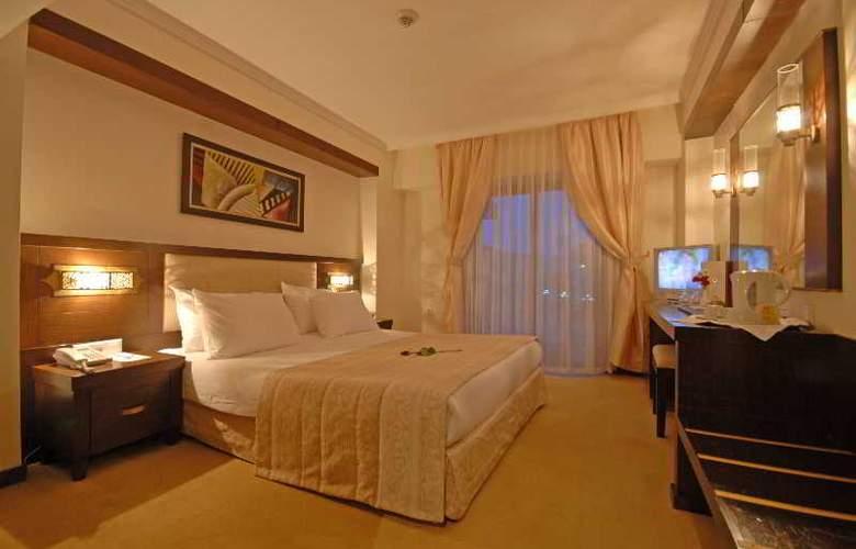 Tourist Hotel - Room - 18