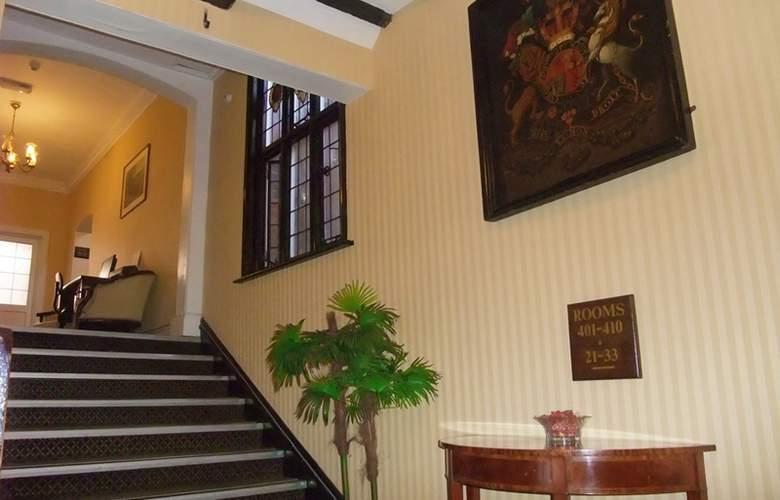 Ramada Crawley Gatwick - Hotel - 5