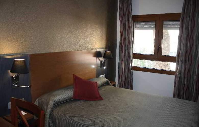 Regio - Room - 16