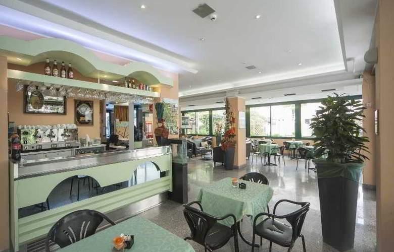 Gemini Hotel - Bar - 3
