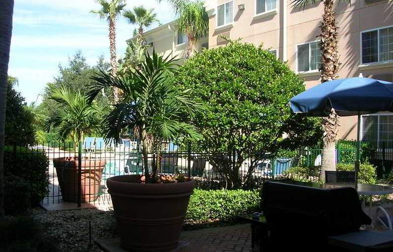 Homestead Studio Suites Orlando Lake Mary - Terrace - 8