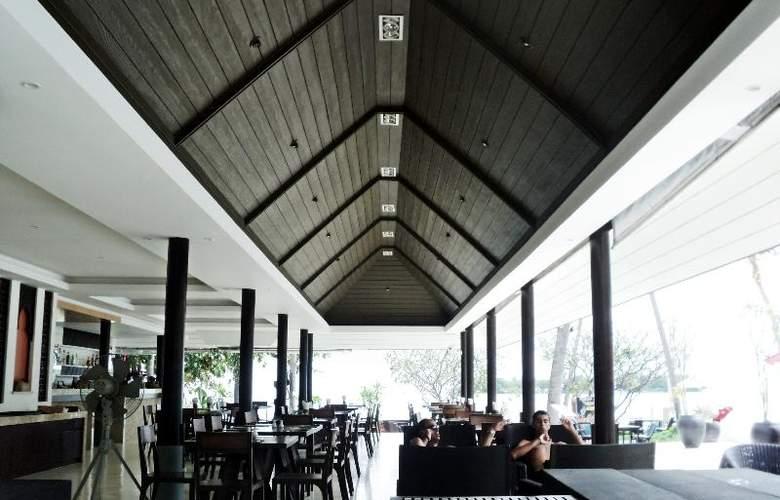 Iyara Beach Hotel & Plaza - Restaurant - 12