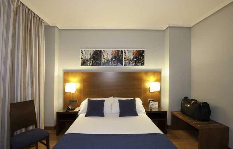 Avant Aeropuerto - Room - 5