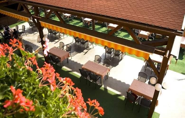 Hotel Coandi - Terrace - 5