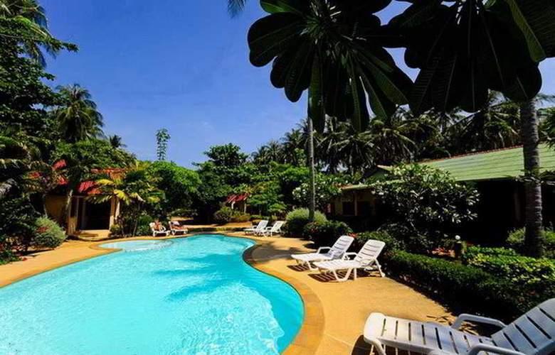 Lanta Pavilion Resort - Pool - 2