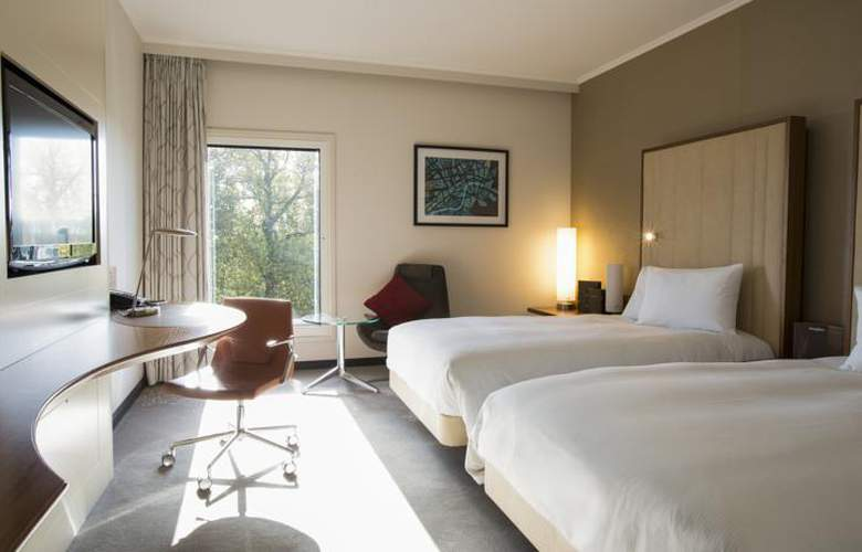Hilton London Heathrow Airport Terminal 5 - Room - 10
