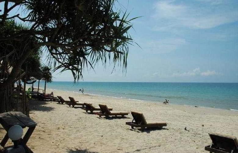 Lanta Nice Beach Resort - Beach - 10