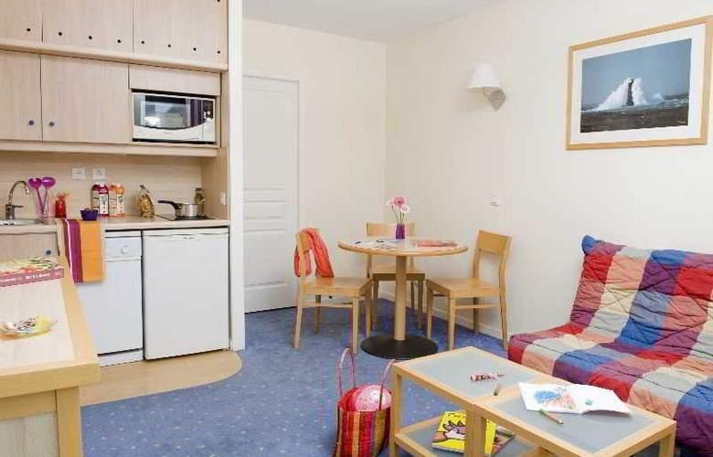 Pierre et Vacances la Rochelle Centre - Room - 2