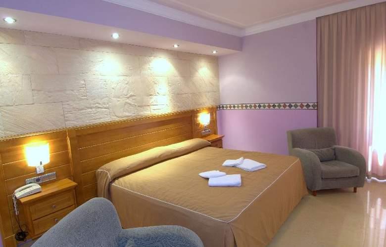 Balneario de Benito - Room - 5