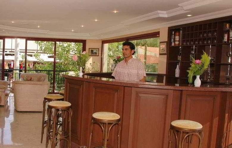 Hera Beach Hotel - Bar - 6