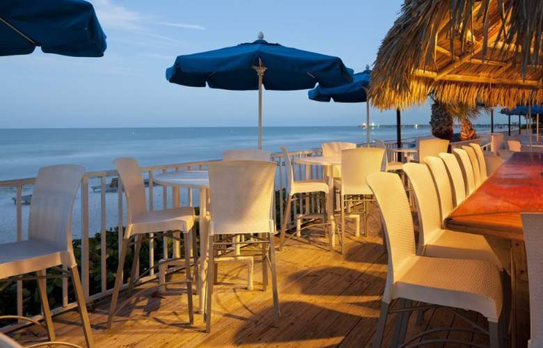 DoubleTree Beach Resort by Hilton Tampa Bay/North - Terrace - 4