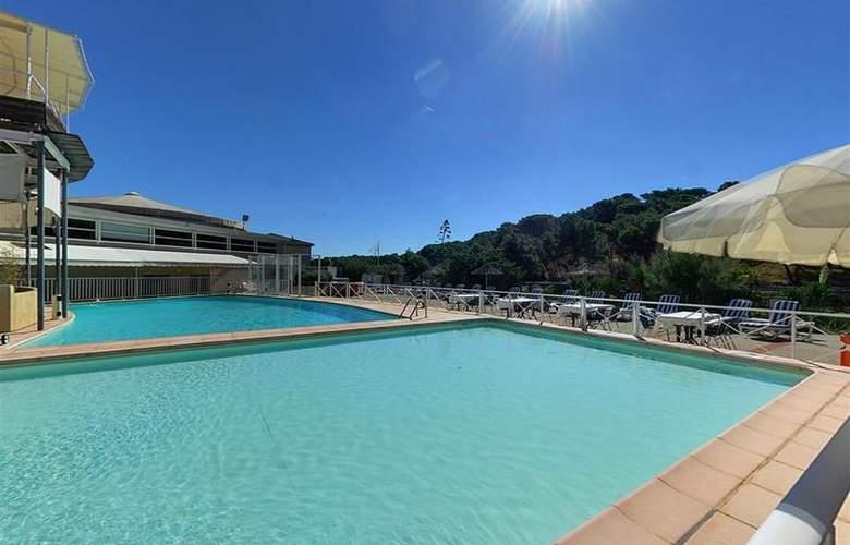 Best Western Du Casino Le Phoebus - Pool - 51