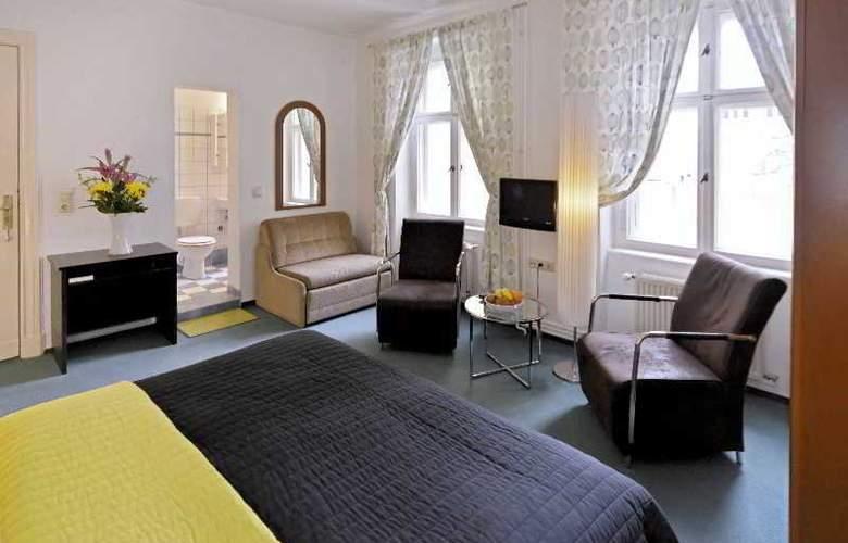 Old Town Hotel Greifswalder Strasse - Room - 8