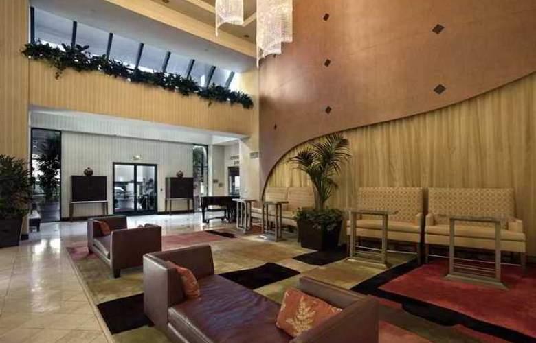 Hilton Woodland Hills-Los Angeles - Hotel - 3