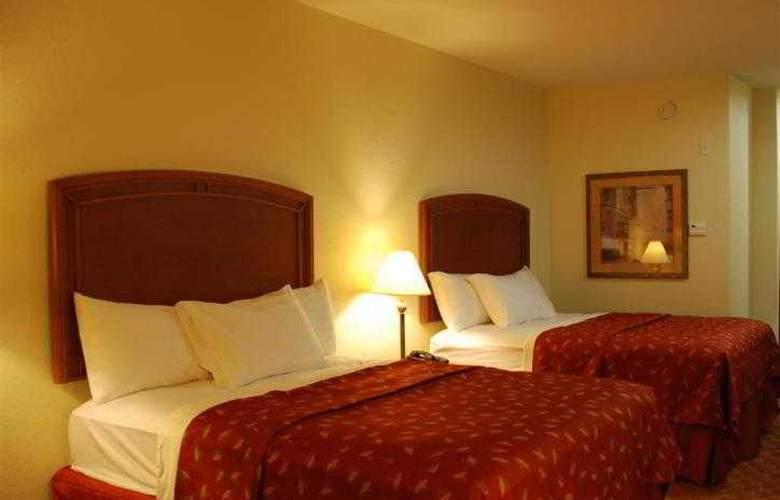 Best Western Plus San Antonio East Inn & Suites - Hotel - 37