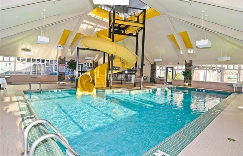 Best Western Plus Pocaterra Inn - Pool - 141
