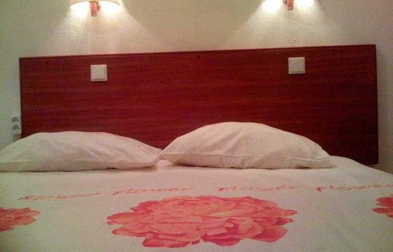 ITC Hotel - Room - 2