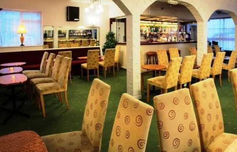 Arncliffe Hotel - Bar - 3