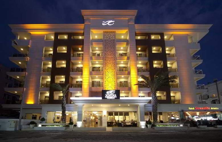Xperia Grand Bali - Hotel - 13