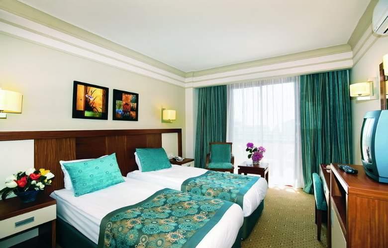 Villa Side - Room - 7