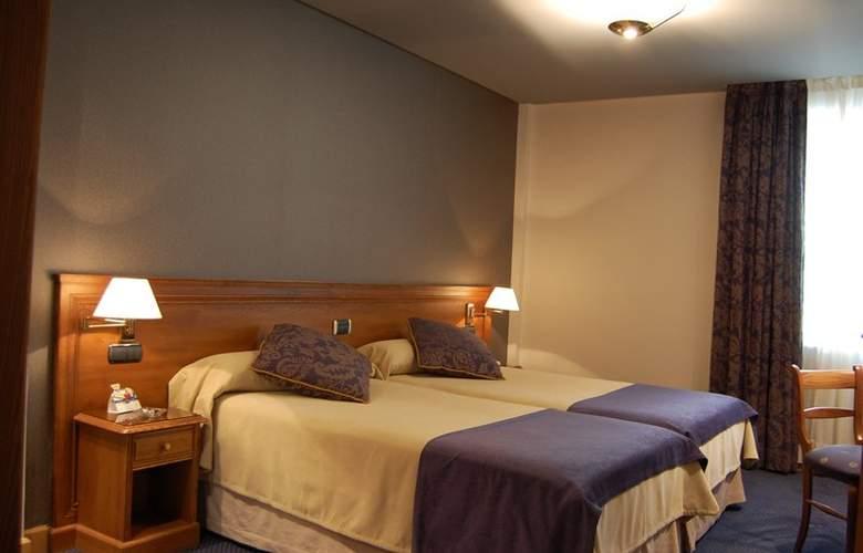 Sercotel Felipe IV - Room - 11