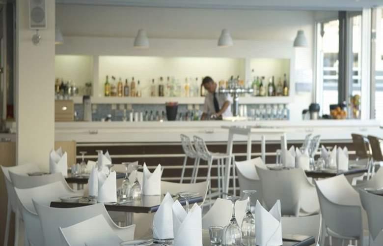 Melpo Antia - Restaurant - 19