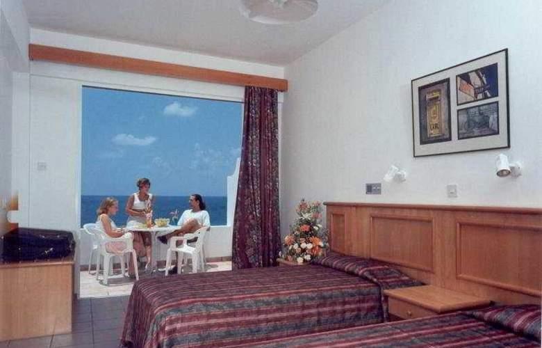 Corallia Beach Apartments - Room - 3