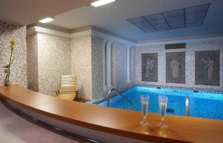 Orea Spa Hotel Palace Zvon - Pool - 5