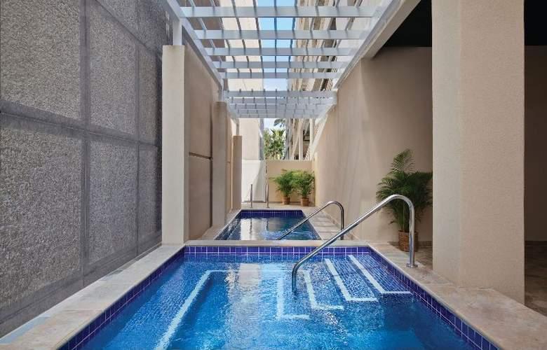 Ohana Waikiki Malia - Pool - 4